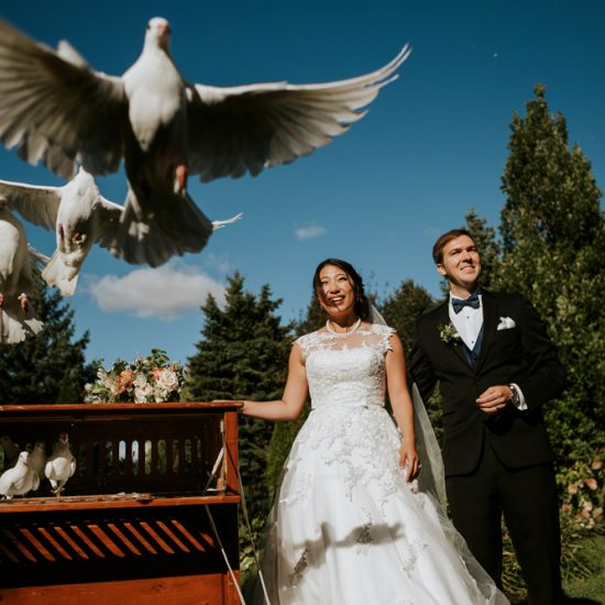 dove-release-bride-groom-chateau-st-antoine