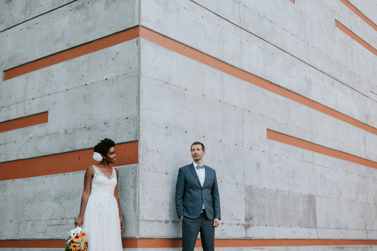 montreal-wedding-photography-downtown-contemporary-building