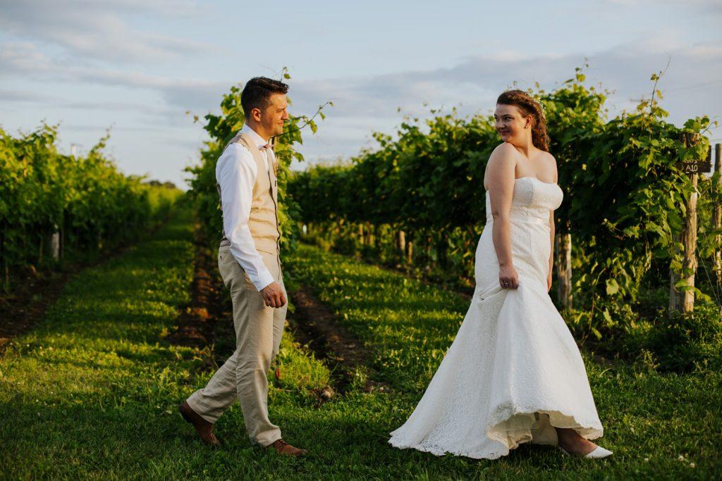 Montreal-vineyard-animal-farm-barn-rustic-outdoor-wedding-41