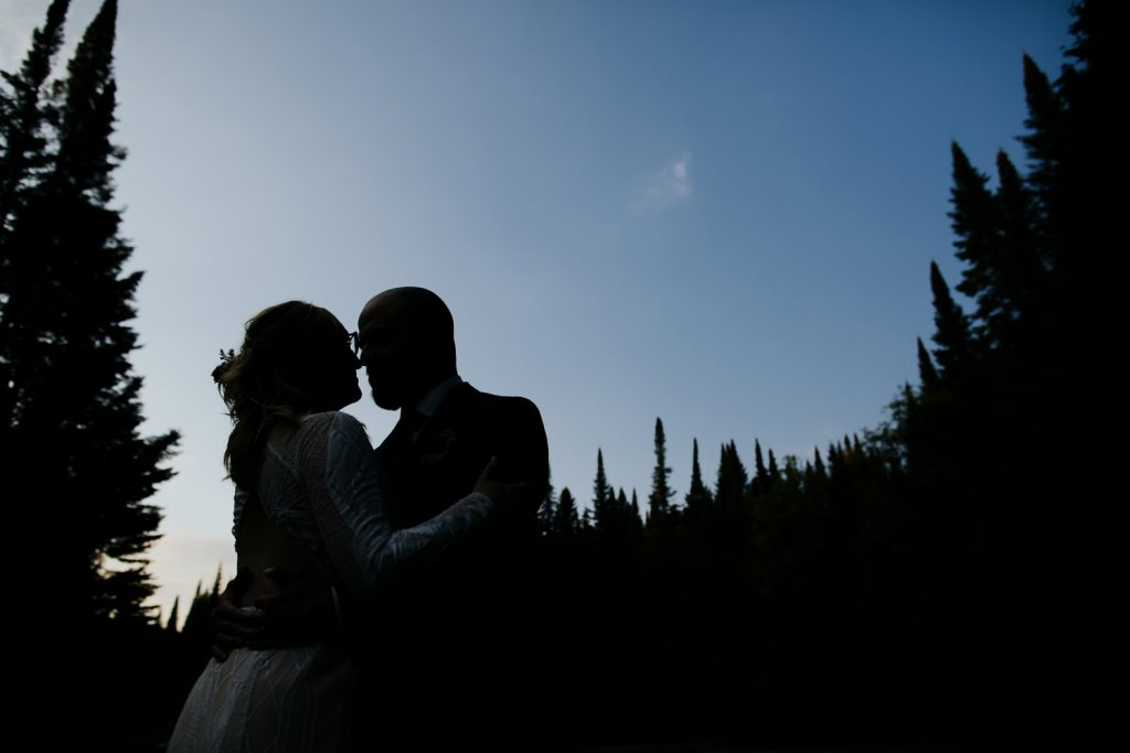Mont-Tremblant-Surperior-Lake-Intimate-Cottage-Wedding-Photography-Documentary-37-opustill