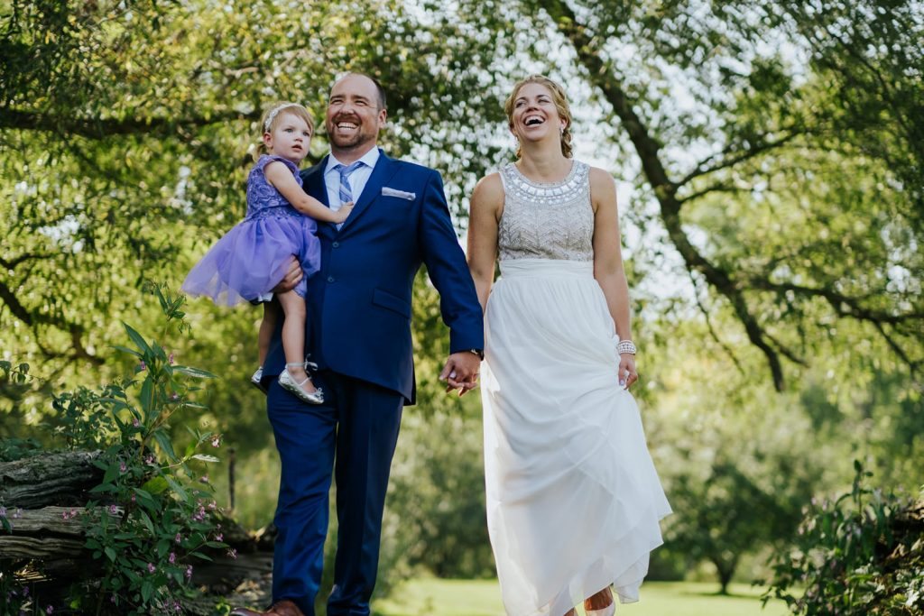 Montreal-rustic-wedding-photography-au-vieux-moulin-rigaud-02