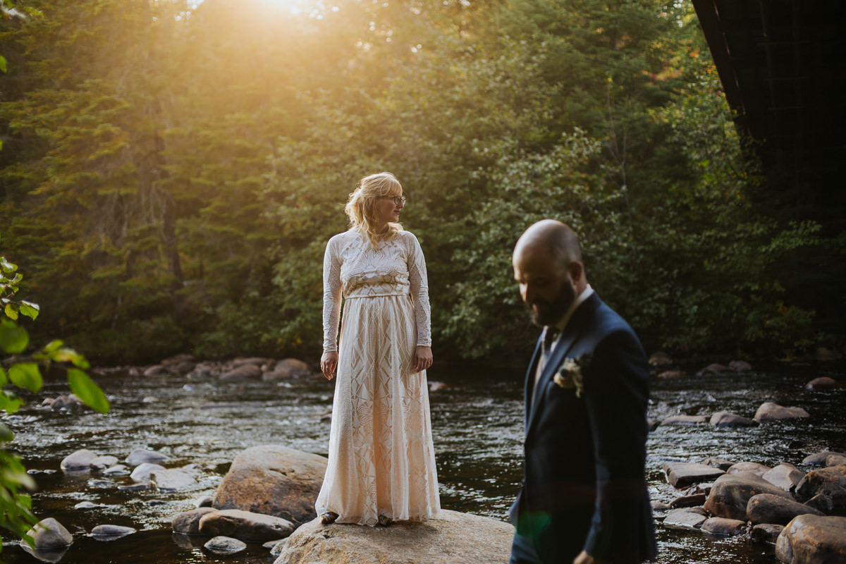 Montreal-wedding-photography-mont-tremblant-nature-intimate-wedding